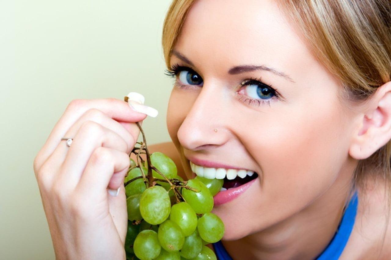 صورة فوائد العنب الاخضر للرجيم , اهم فوائد العنب في التخسيس