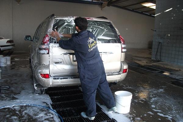 صورة اماكن غسيل السيارات بالكيماوى , افضل الاماكن لغسيل السيارات بدقه فائقه