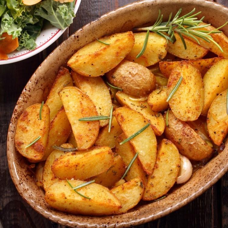 صورة طريقة عمل البطاطس المشوية , زهقتي من البطاطس التقليديه