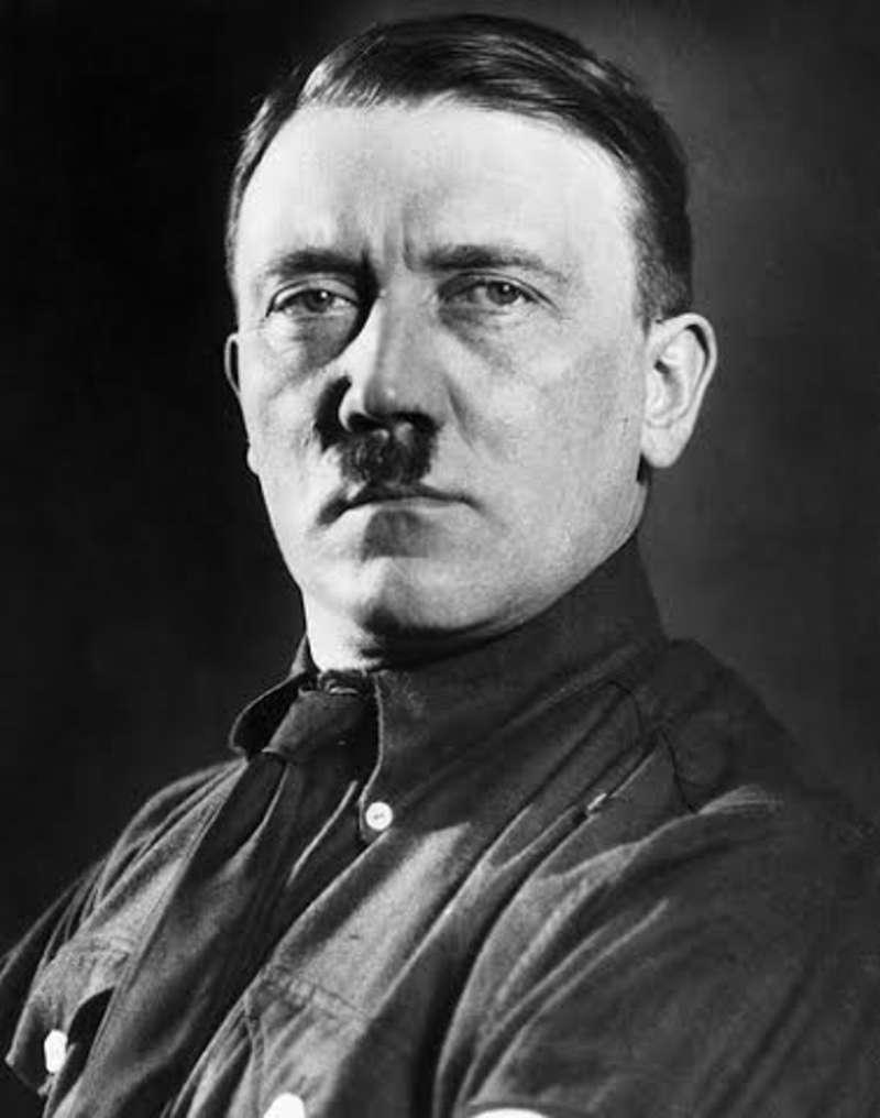 صورة قصة حياة هتلرالنازى , عدو اليهود