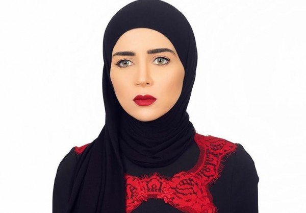 صورة صور مي عز الدين بالحجاب , مي عز الدين ب لوك مختلف