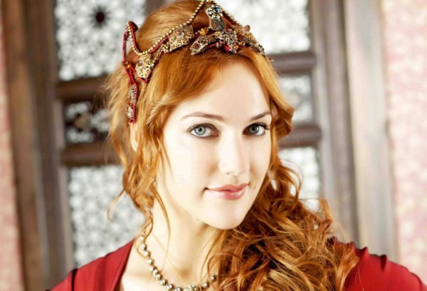 صورة الممثلة التركية مريم اوزرلي , اتعرفي علي حياة الممثلة مريم اوزرلي الشهيرة ب هيام