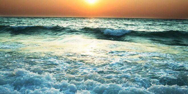 صورة البحر في المنام للحامل , حالات البحر تفسر ما يقول