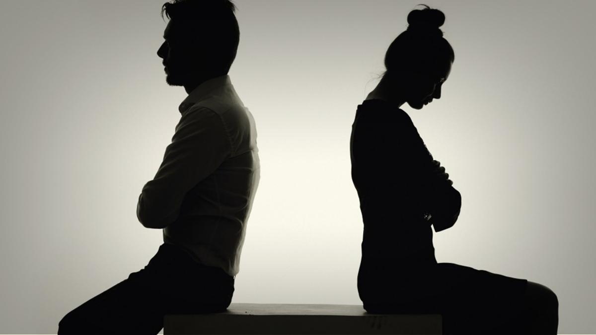 صورة تفسير حلم طلاق الزوج لزوجته , نوع الطلاق يحدد تفسير الحلم