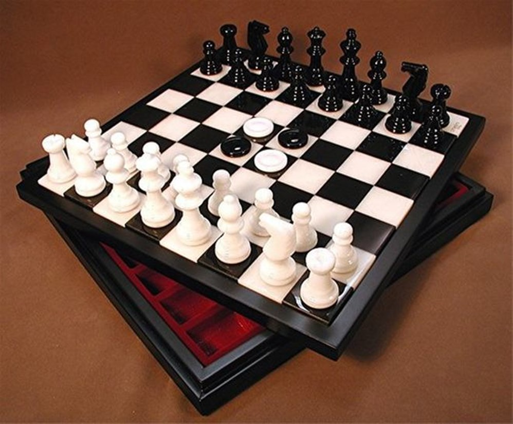 صور كيفية لعب الشطرنج , اتعلمي واغلبي جوزك