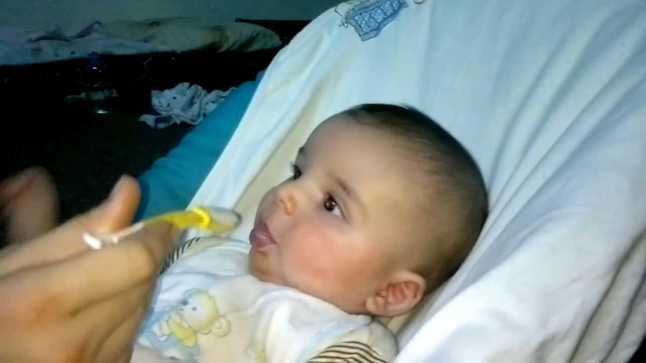 صورة متى ياكل الرضيع السيريلاك ' ابنك كبر وعايزة تاكليه مع الرضاعة