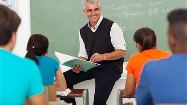 صورة جمل عن المعلم , المعلم و ما يقدمه لنا من قيمة