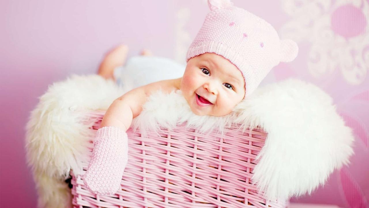 صورة حلمت انى ارضع طفل وانا حامل , تفسير حلم الرضاعه