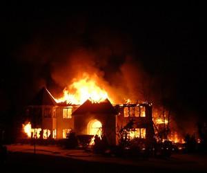 صورة الحلم بالحريق في المنزل , اعرف تفسيره و احذر علي نفسك و علي اسرتك