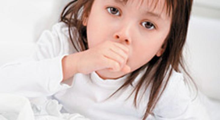 صورة اسباب السعال الديكي , خليكي دكتورة ابنك وميزي السعال الديكي