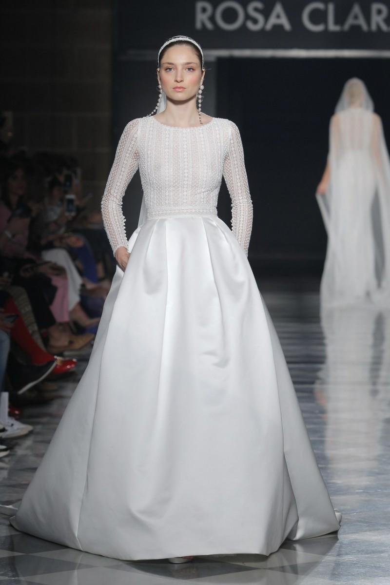 صورة اجمل فساتين الزفاف للمحجبات , عروسة وبتدوري علي فستان فرحك معانا 885 5