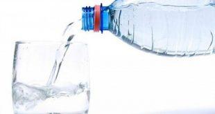 صورة كم مل من الماء يجب شربه يوميا , هل يجب علي ان اشرب ماء كل يوم