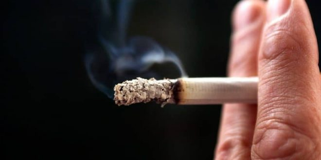 صورة تفسير حلم شخص يدخن , حلمت اني رايت احدهم يدخن