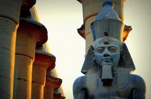 صورة صور اثار الاقصر ، مدينة الألف مأذنة