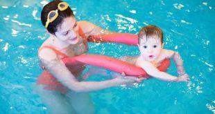 صورة تعليم الاطفال السباحة، كيف نعلم أطفالنا السباحة